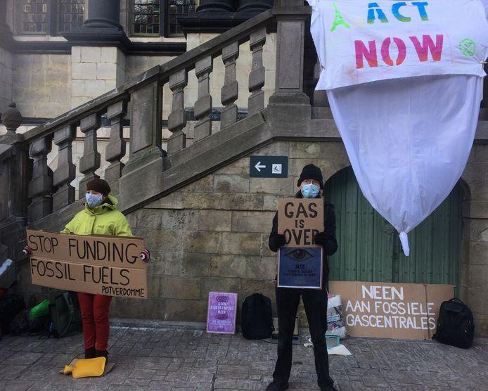 Gents Tegengas protesteerde aan het stadhuis