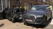 VIDEO. Zware aanrijding op Nieuwe Baan, één voertuig belandt tegen gevel