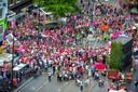 Uitzicht vanuit het reuzenrad op Roze Woensdag.