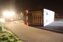 Op de A50, ter hoogte van Sint-Oedenrode, is een vrachtwagen met kippen gekanteld