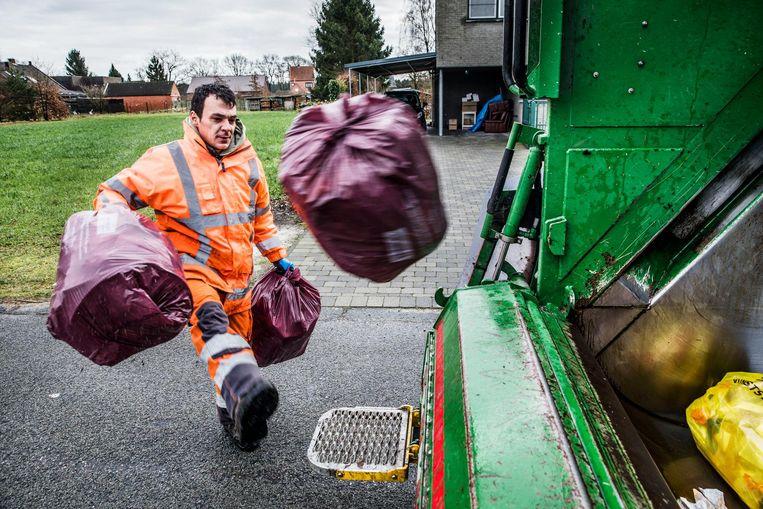 Een extern studiebureau berekende dat de vuilniswagens in het nieuwe systeem tot 34 procent minder kilometers rijden. Beeld Aurelie Geurts