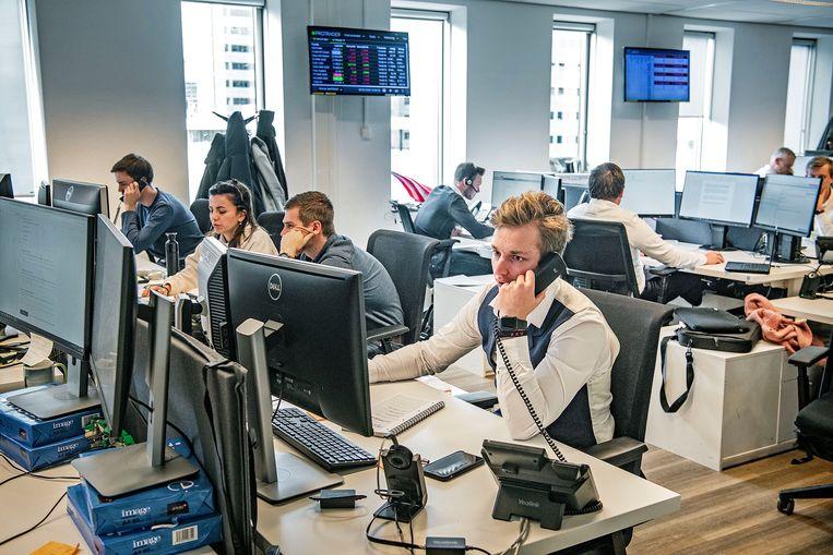 Kantoor waar BinckBank zijn klanten helpt met beleggingen.  Beeld Guus Dubbelman / de Volkskrant