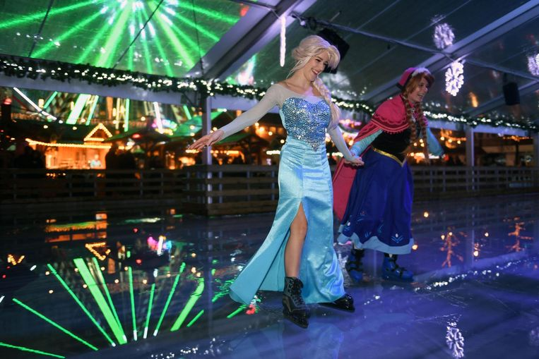 Elsa en Anna van Frozen brengen de magie tot op de ijspiste.