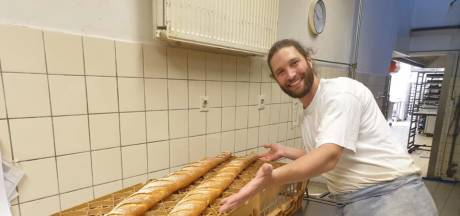 Deze bakkerij verkoopt stokbroden van... anderhalve meter!