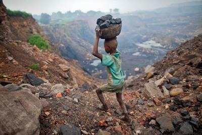 grootschalige-kinderarbeid-in-auto%E2%80%99s-en-elektronica