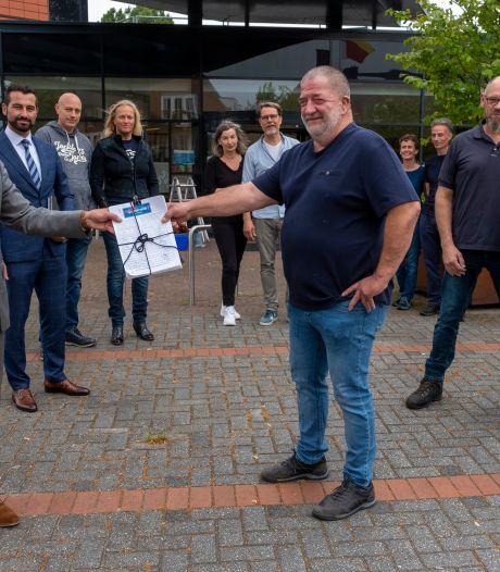 Honderden handtekeningen tegen natuurbegraafplaats in Wapenveld: 'Liever bos dan botten'