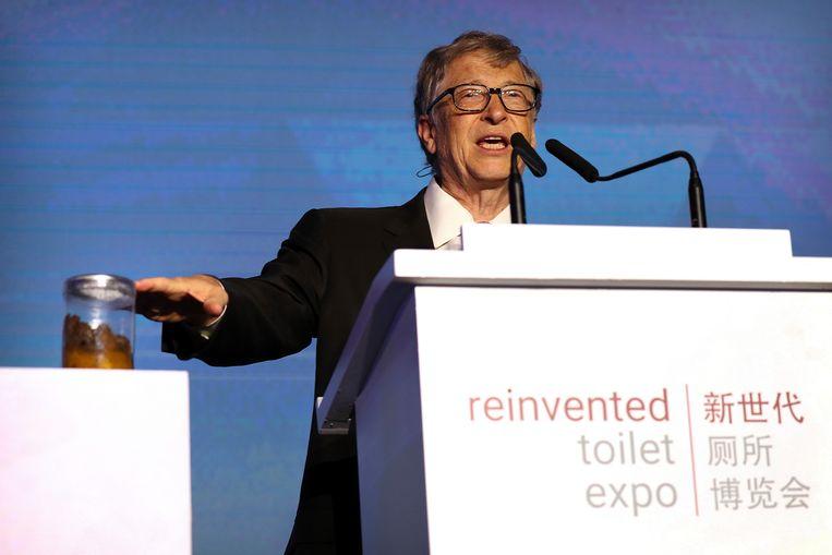 Bill Gates voert al jaren een strijd voor betere sanitaire voorzieningen. Beeld AP