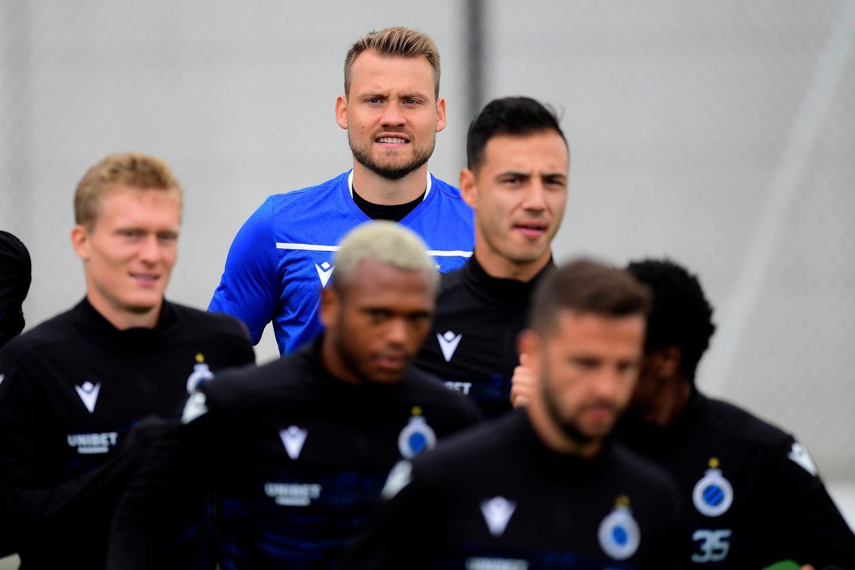 Simon Mignolet traint al mee bij Club met het oog op de Europese match tegen Dinamo Kiev. Beeld Photo News