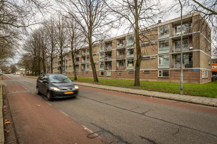 Voor de plannen bij de Sterrenlaan in Veldhoven, die onder meer een woontoren bevatten, moet er nog wel het een en ander gesloopt worden.