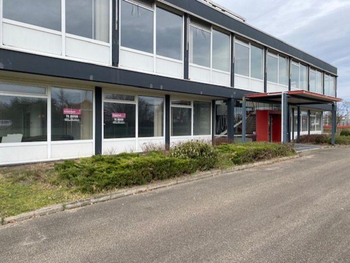 De Turkse arbeidersvereniging ATIB stelt voor te verhuizen naar een leegstaand kantoorpand in Almelo.