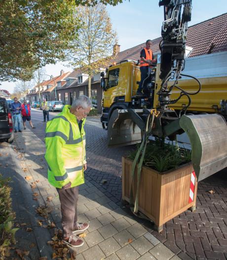 Bloembakken moeten Kapelstraat in Beek en Donk veiliger maken