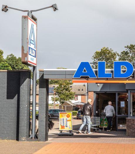 Hardenberg zet plan Gentiaanstraat door en bouwt om winkels heen