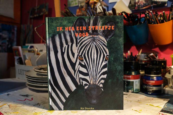 Rit Dierckx, schilderes en ex-kleuterleidster, heeft een prentenboek gemaakt voor kleuters.