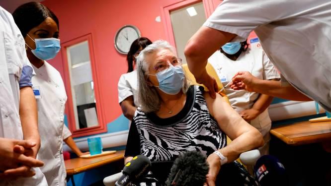 Une septuagénaire a reçu la première dose de vaccin en France