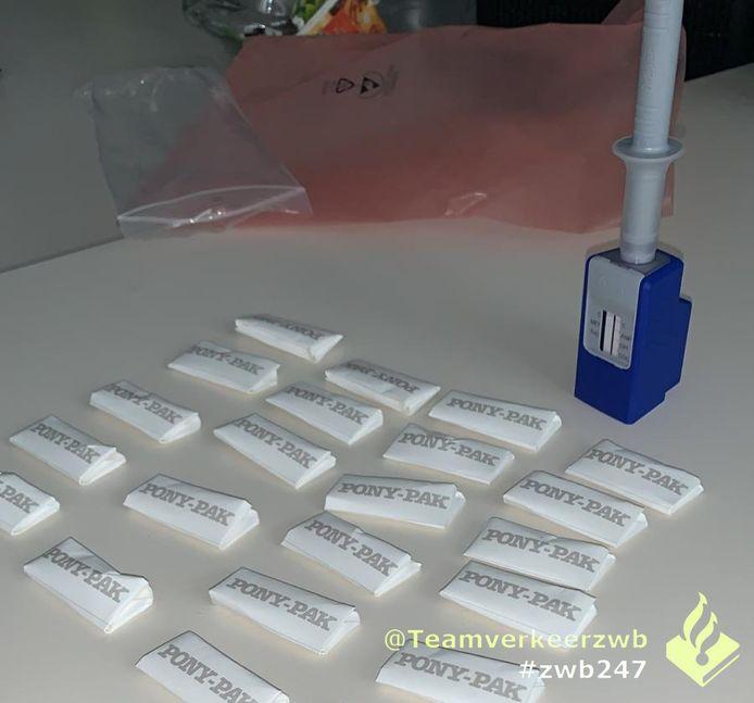 Man gepakt met meer dan twintig pakjes harddrugs.