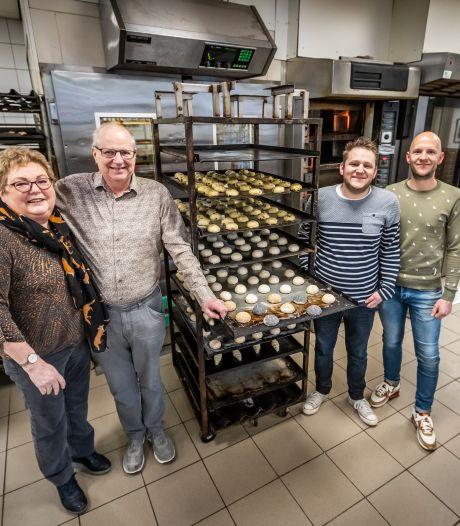 Jubilerende bakkers De Lau in Eersel hopen nog lang hun brood te verdienen met hun brood