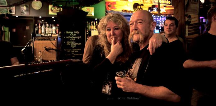 Marion en Roland van Wijk in hun café Taste in Groenlo.