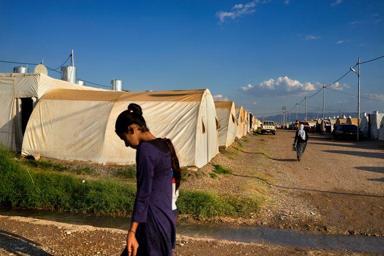 Vluchtelingenkamp in Iraaks Koerdistan waar veel Yezidi's werden opgevangen toen IS in 2014 hun stad Sinjar veroverde. Beeld Getty Images