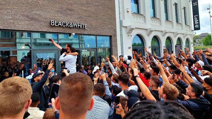 Succès de foule pour IbraTV à Charleroi