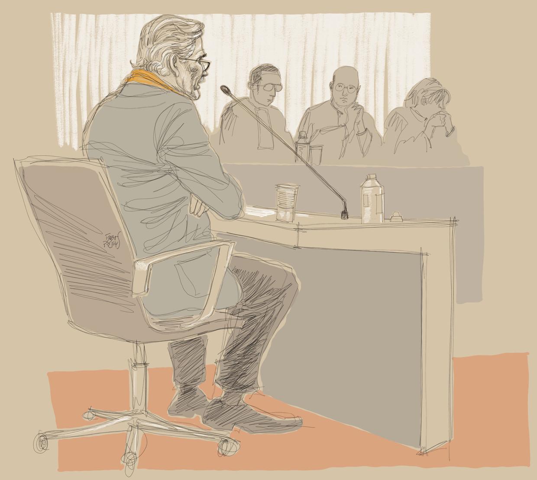 Een impressie van Wim Distelmans' getuigenis vandaag door de rechtbanktekenaar. Beeld BELGA