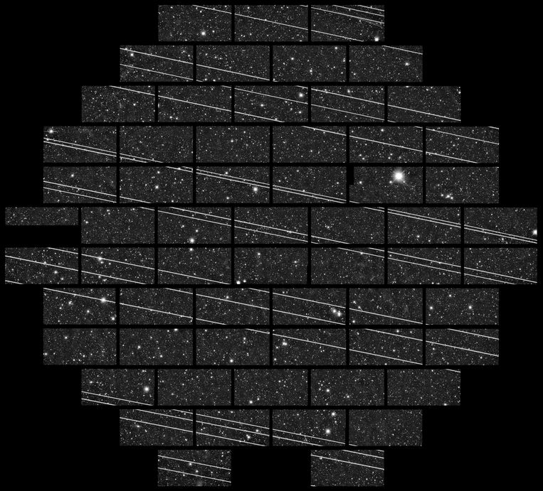 19 Starlink-satellieten vlak na lancering in november 2019. Beeld CTIO/AURA/DELVE