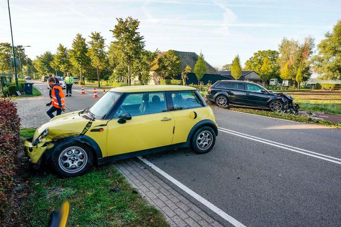 Twee auto's op elkaar gebotst in Dongen