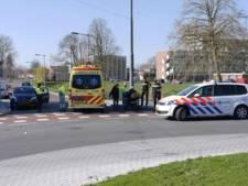 Automobilist rijdt man op scootmobiel aan in Arnhem