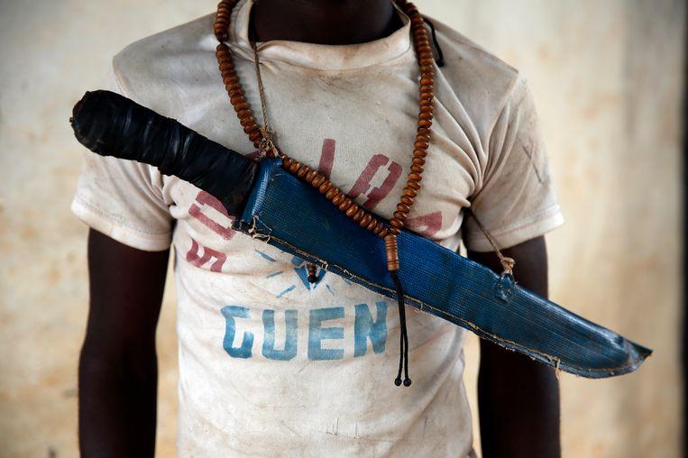 Een strijder van de anti-balaka-militie Beeld AP