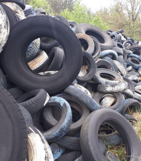 Oss ruimt voor 60.000 euro enorme stapel oude banden op bij circuit Nieuw Zevenbergen