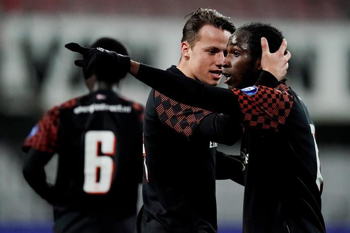 Sekou Sidibe had het tijdens de wedstrijd Helmond Sport - Jong PSV aan de stok met fans van de thuisclub.