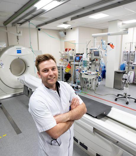 Jonge Eindse arts Bram Schoolmeesters kijkt vanuit Tilburg richting geboortedorp