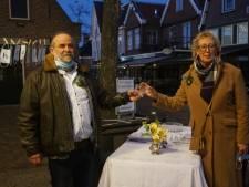 Frits wilde zijn huwelijksjubileum vieren met een dinertje op het plein, maar dat mocht niet van de gemeente