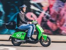 Dordrecht gaat aan de groene scooters, maar je mag ze niet zomaar overal parkeren