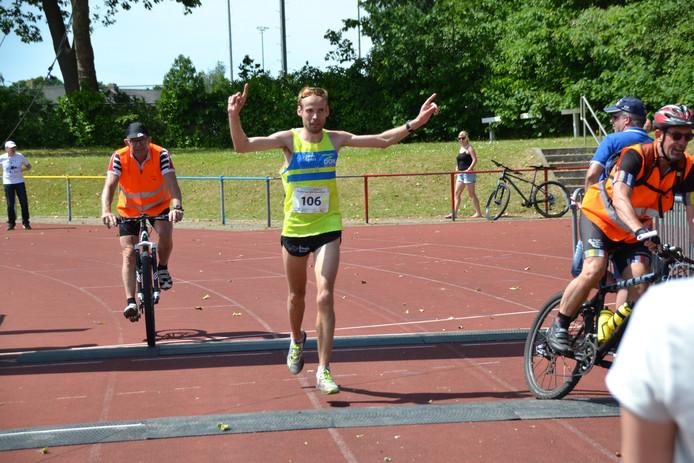 Erwin Harmes, de winnaar van de Brabantse Wal Marathon.