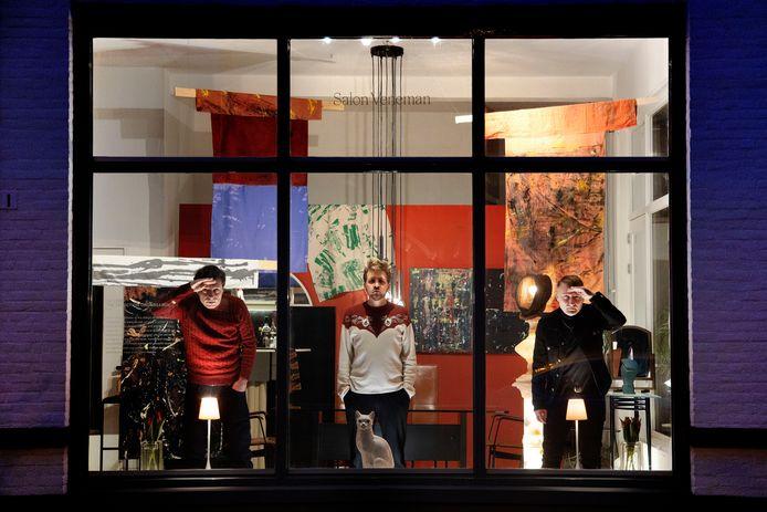 Bob Dieleman, Woody Veneman en Glenn Peeters (vlnr) in Salon Veneman in Eindhoven.