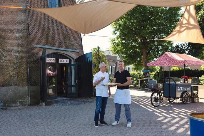 Bakker Jan Jonker en meesterkok Rudolph van Veen bij Bökkers in Olst.