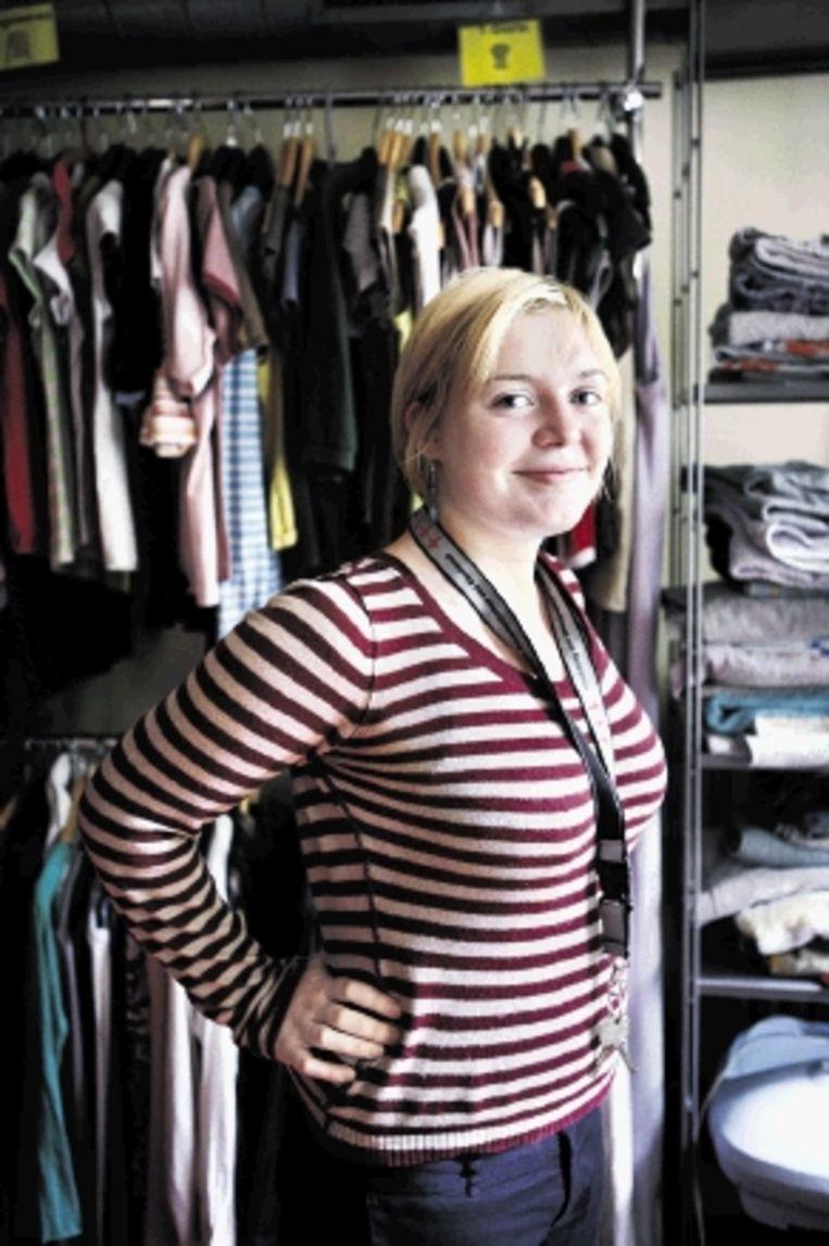 De Duitse Katharina Mahrt werkt als vrijwilligster bij Amoc, inloophuis voor drugsverslaafden in Amsterdam. (FOTO JÃ¿RGEN CARIS, TROUW) Beeld