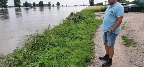 Patrick zag slapende man in rubberbootje over woeste Maas drijven: 'Wist niet wat ik zag'