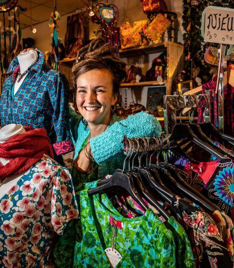 Chantal uit Deventer zet de kledingindustrie op de kop met haar winkel: 'Weggooien hoeft helemaal niet'