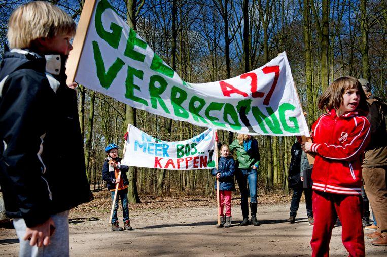 Protest van de actiegroep Vrienden van Amelisweerd tegen de verbreding van de A27 (in 2013).   Beeld ANP