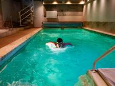 Lezers helpen zwemtalent Tim (13) uit Wezep het water in: vier keer trainen in twee verwarmde baden