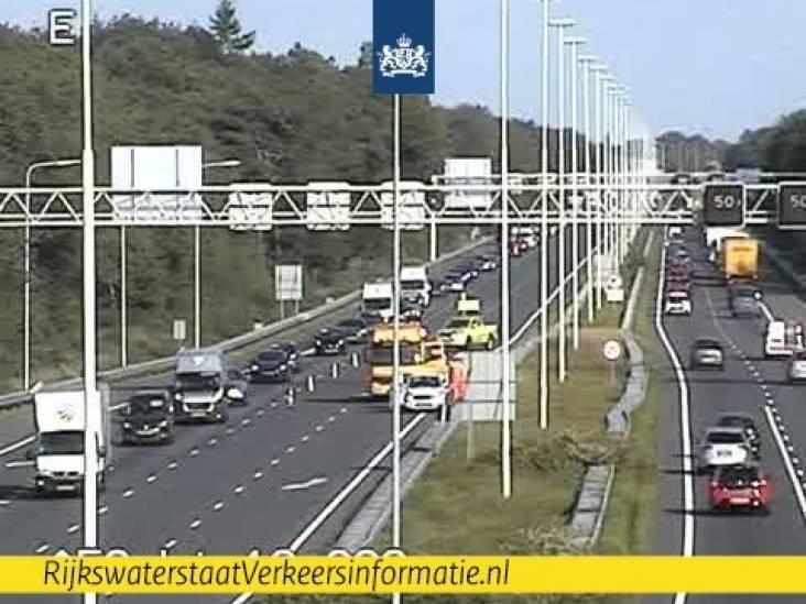 Motorrijder onderuit op de A58 bij Oirschot, flinke file richting Tilburg