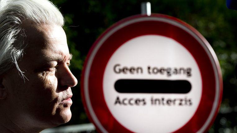 Geert Wilders demonstreert bij de Roemeense ambassade Beeld anp