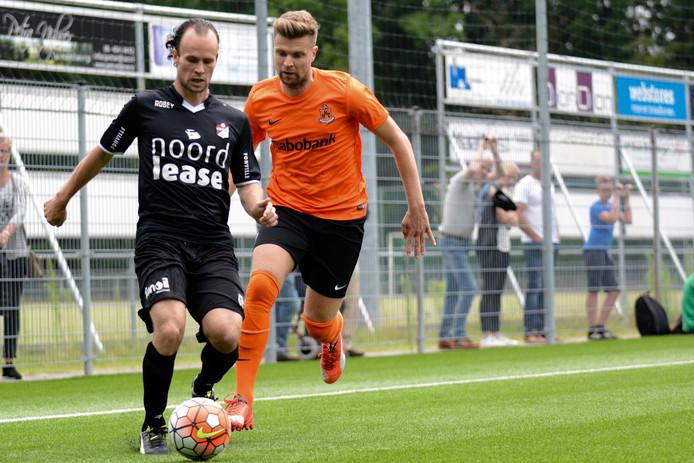Het duel HCC Hardenberg - FC Emmen