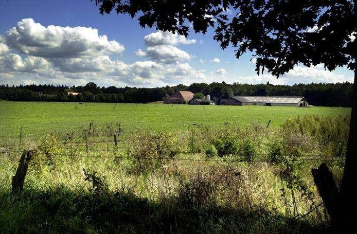In het gebied tussen de Hoevenseweg en de Voorste Stroom (links, niet op de foto) verrijst landgoed 'Oisterwijkse Hoeven'.