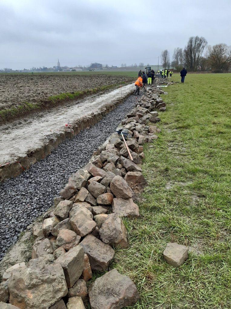 Les Amis de Paris-Roubaix aan het werk. Beeld Les Amis de Paris-Roubaix