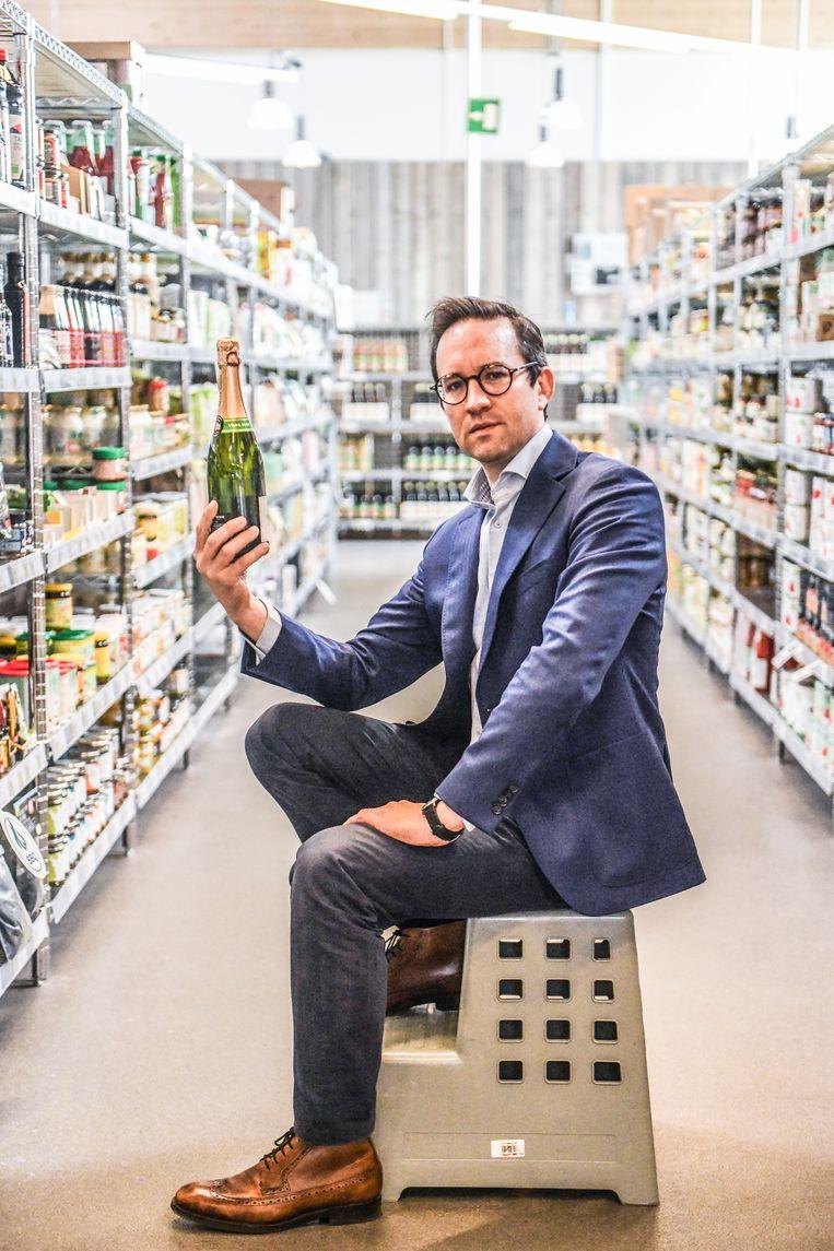 'Er komt een nieuwe prijzenoorlog. Supermarkten zullen ons onder promotieaanbiedingen bedelven in een poging om hun verkoopcijfers intact te houden.' Beeld Koen Bauters
