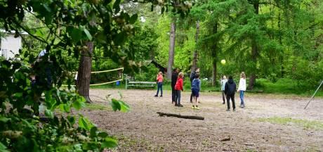 Best te doen die zomerkampen, het probleem is vooral het halen en brengen door de ouders