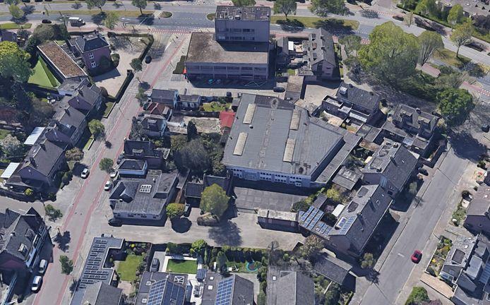 Het gebied rond de Hamsterstraat (voorgrond) in Eindhoven. PM+ Van Abbe, Studio Boot en Architecten en|en| willen hier studentenhuisvesting realiseren op het terrein van de bedrijfshal in het midden. Omwonenden hebben kritiek op de plannen.