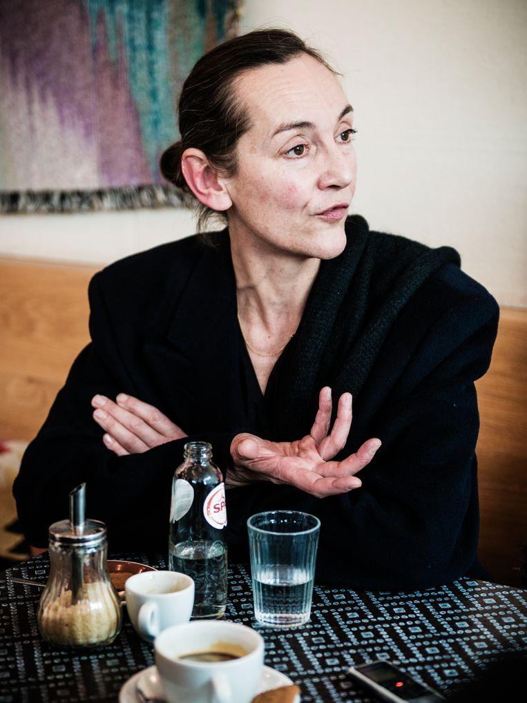 """Elsemieke Scholte (detheatermaker): """"Jonge mensen zijn vaak erg gericht op het ik. Dat moet worden opengebroken – kunstenaar zijn gaat ook over samenwerken.""""   Beeld Geert Braekers"""